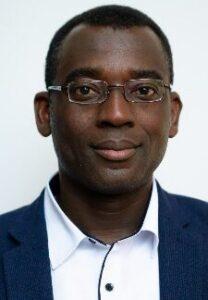 Mitarbeitender Priester Isaac Osei-Tutu